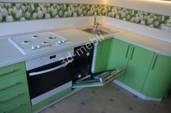 Встроенная посудомоечная машина.