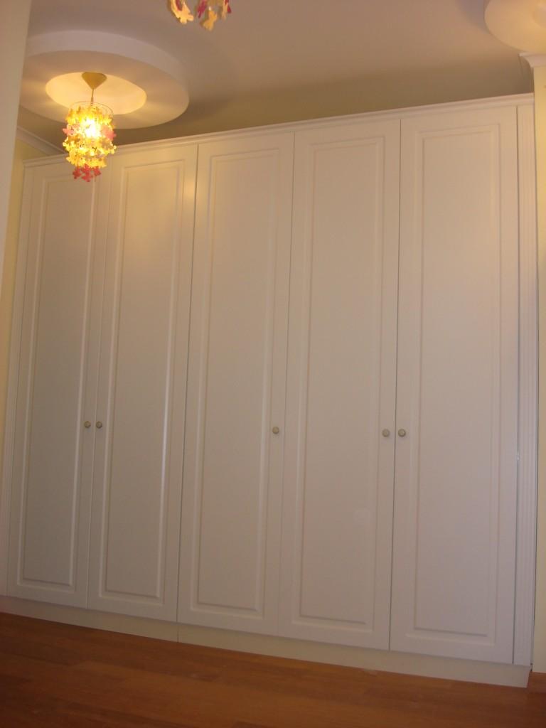 Матовые крашеные фасады с фрезеровкой