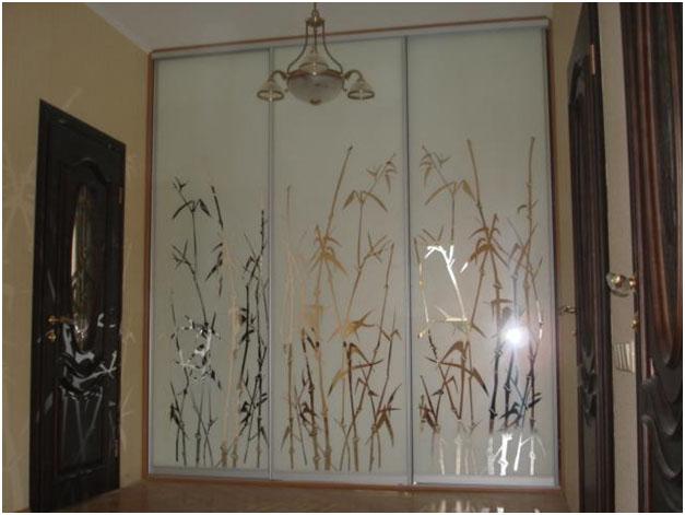 Встроенный Шкаф с пескоструйным рисунком