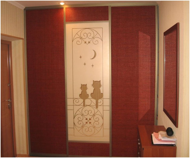Встроенный шкаф, двери из ротанга