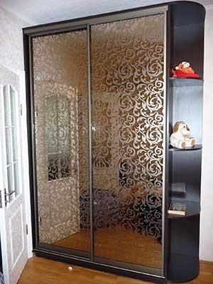 Зеркало «бронза» с пескоструйным рисунком.
