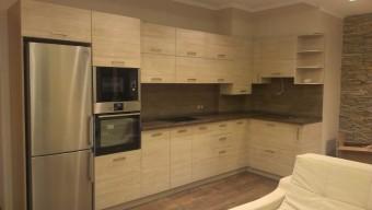 Кухня со сложной геометрией стен