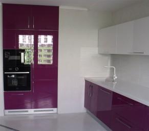 Лаконичная 2-цветная кухня из крашеного глянцевого МДФ