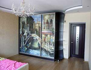 Шкаф венге в спальню, фасады - стекло с фотопечатью.