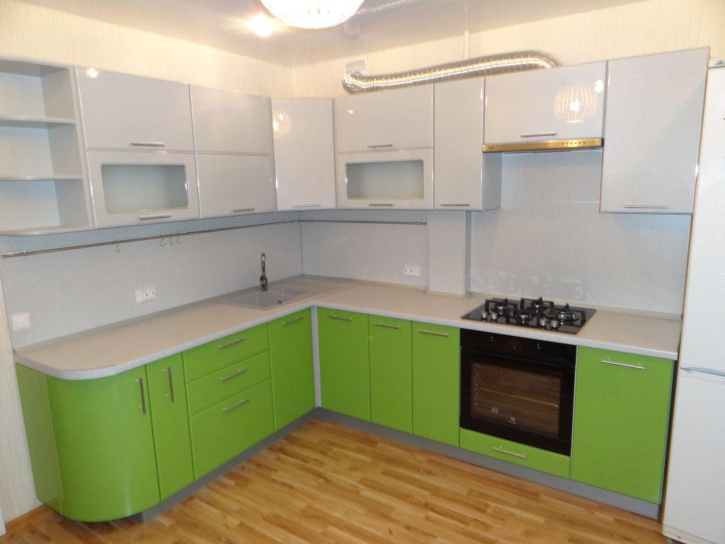 Фасады навесных шкафов угловой кухни