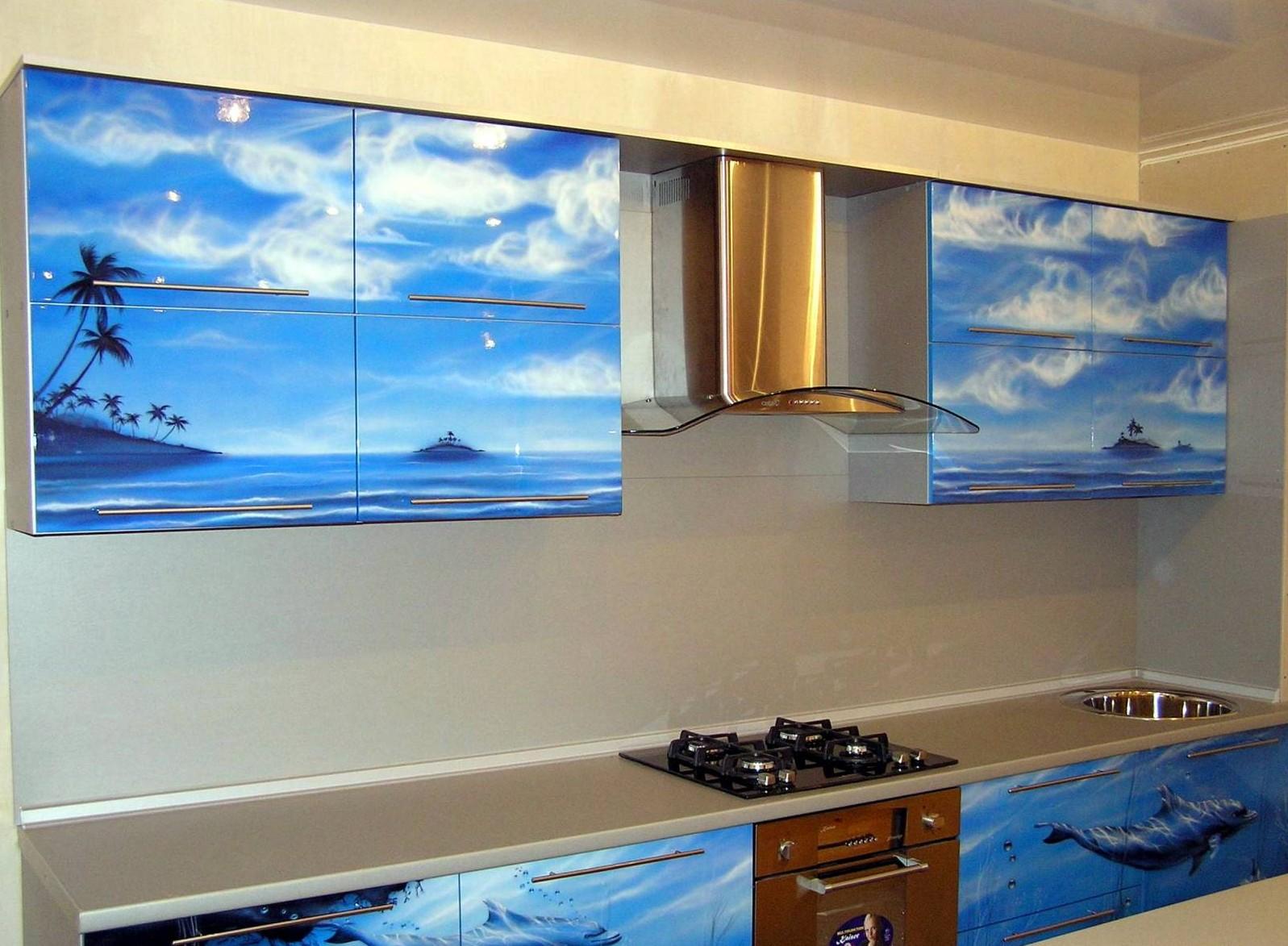06.Можно нанести рисунок как на верхние, так и на нижние фасады кухни.