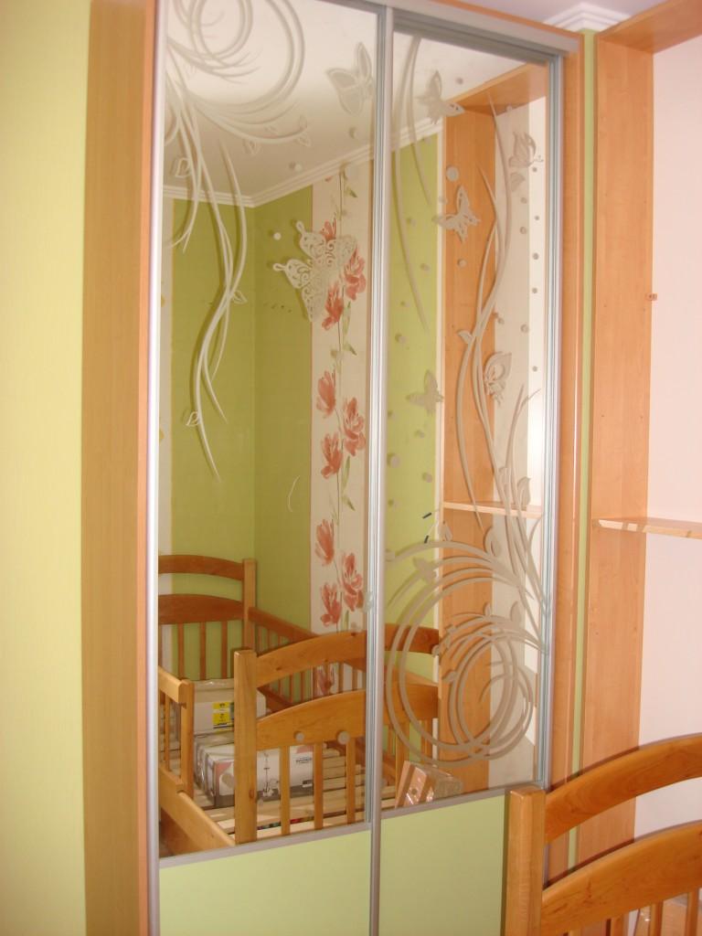 Пастельный зеленый цвет мебели